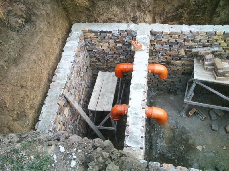 Устройство сливной ямы из кирпича в частном доме своими руками 60