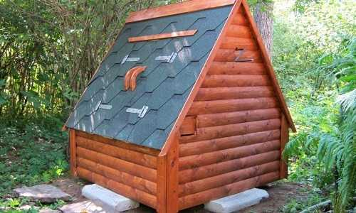 Небольшой домик для скважины